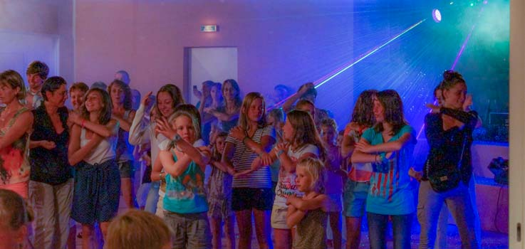 dancing party avec DJ au camping Corse